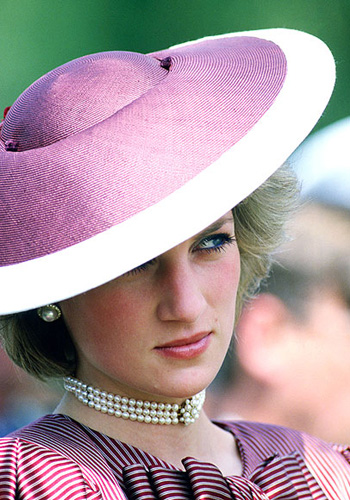 几位世界著名的帽子设计师图片