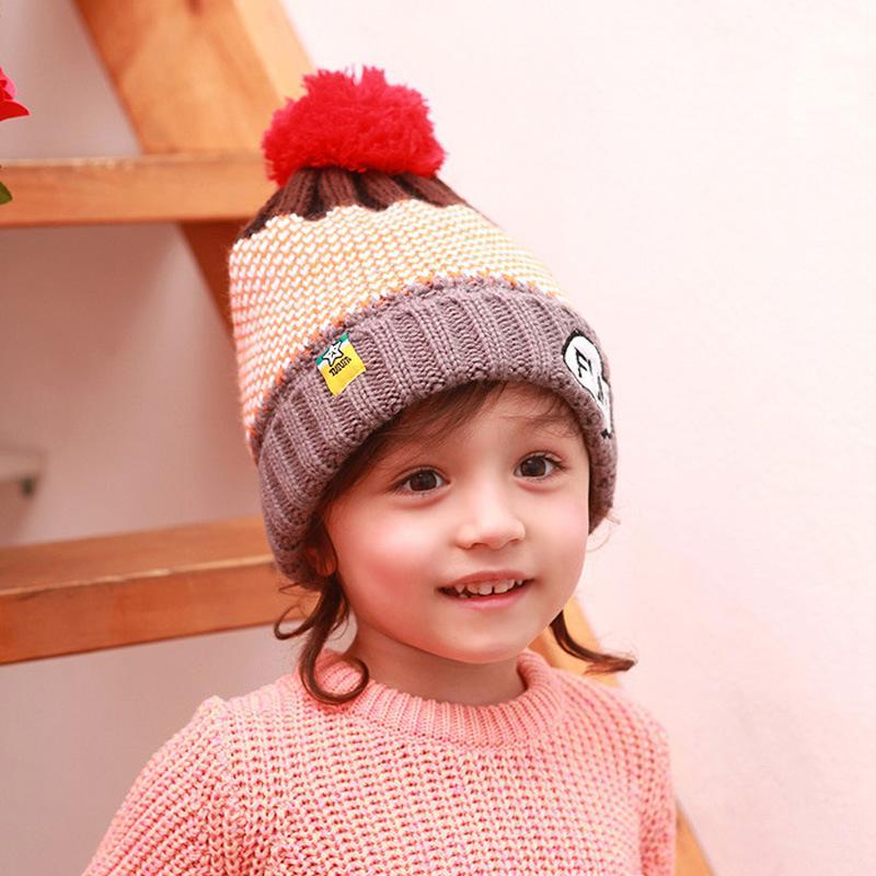 喜欢戴帽子的小朋友是既健康又可爱的小孩子