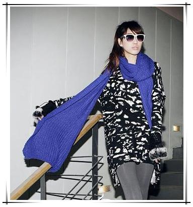 时尚的针织围巾搭配